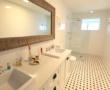 House Bedroom Suite 1 Ensuite